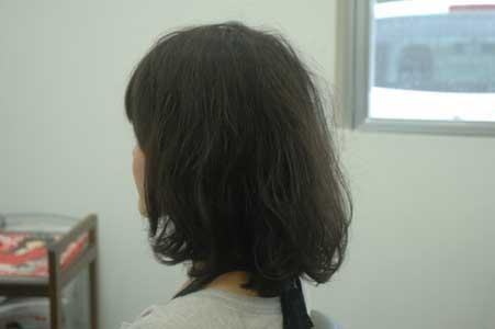くせ毛のミディアムボブ。2