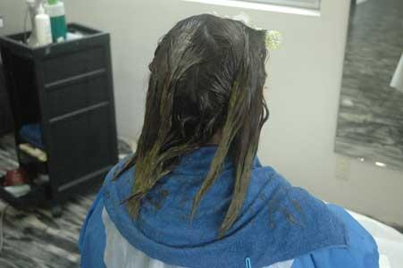 沖縄県宜野湾市美容室stylista|縮毛ついでに毛先ヘナ。1