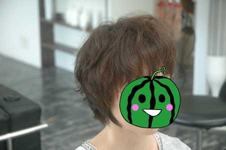 沖縄県宜野湾市美容室stylista|髪が落ちる位置1