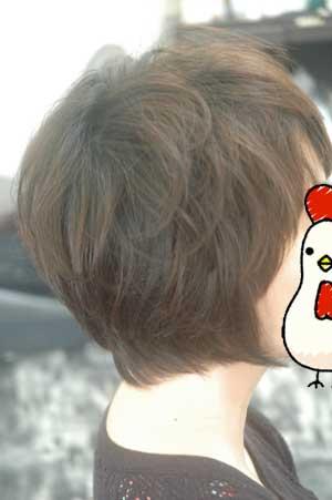 沖縄県宜野湾市美容室stylista|くせ毛の前下がりのショートボブ。1
