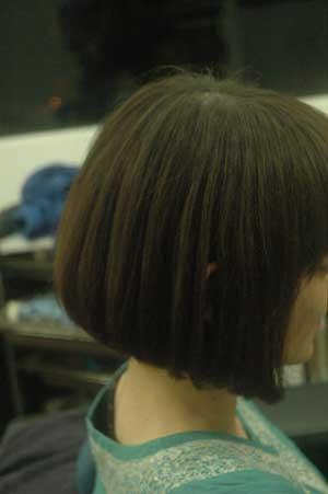 沖縄県宜野湾市美容室stylista|前下がりボブとタンニントリートメント。2